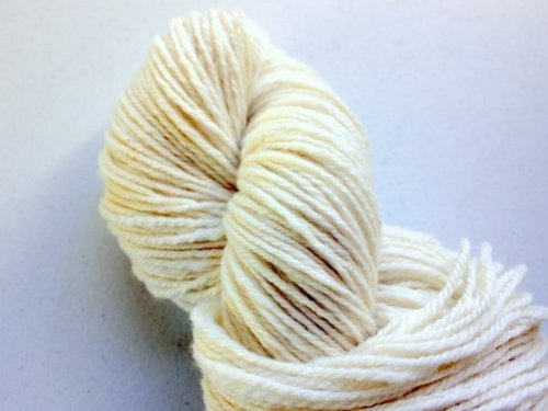 The first skein of yarn spun on my Lendrum DT.