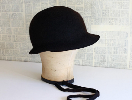 Learn to wet felt a cloche hat on the Woolery Blog!