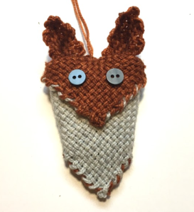 Free tutorial to make a Zoom Loom Woodland Fox Ornament from the Woolery.