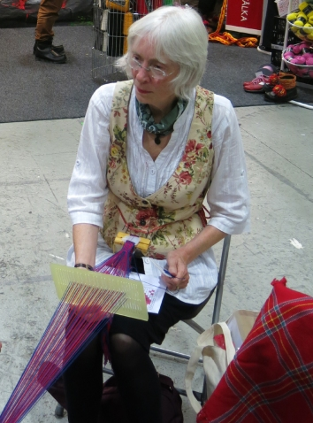 Susan Foulkes weaving
